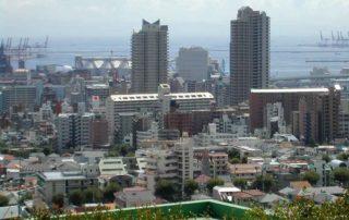 Foto skyline haven vanaf een dakterras