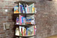 Foto boekenmolen in Dominicuskerk